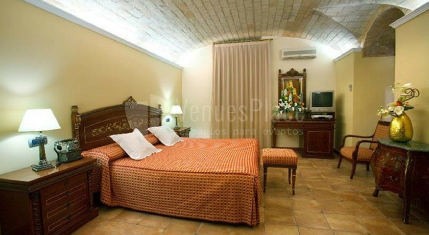 hotel kazar ontinyet cama