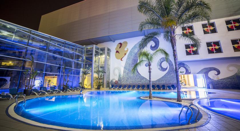 piscina hotel Palace Gandia