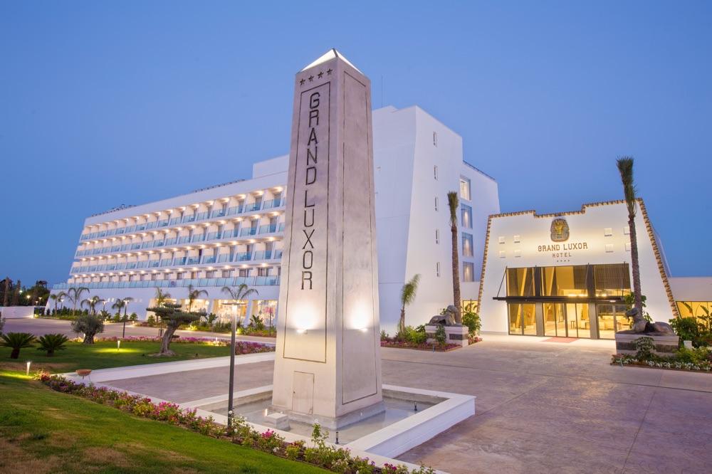 hotel-grand-luxury-1
