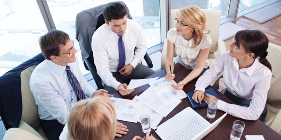Cómo crear equipo dentro de una empresa a través del teambuilding