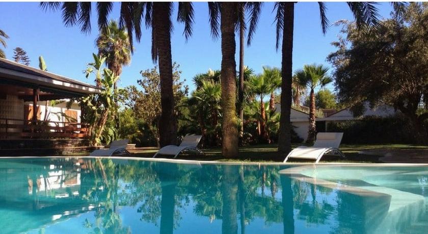 Piscina El Oasis Resort